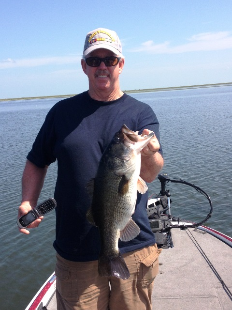 0425131 lake okeechobee bass fishing guides for Lake okeechobee fishing guides