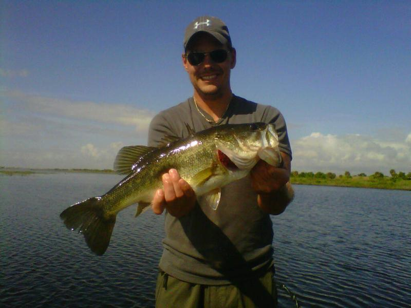Martin heat 39 s up on lake okeechobee lake okeechobee bass for Lake okeechobee fishing guides