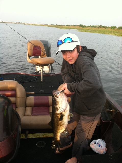 Meckes0311131 lake okeechobee bass fishing guides for Lake okeechobee fishing guides