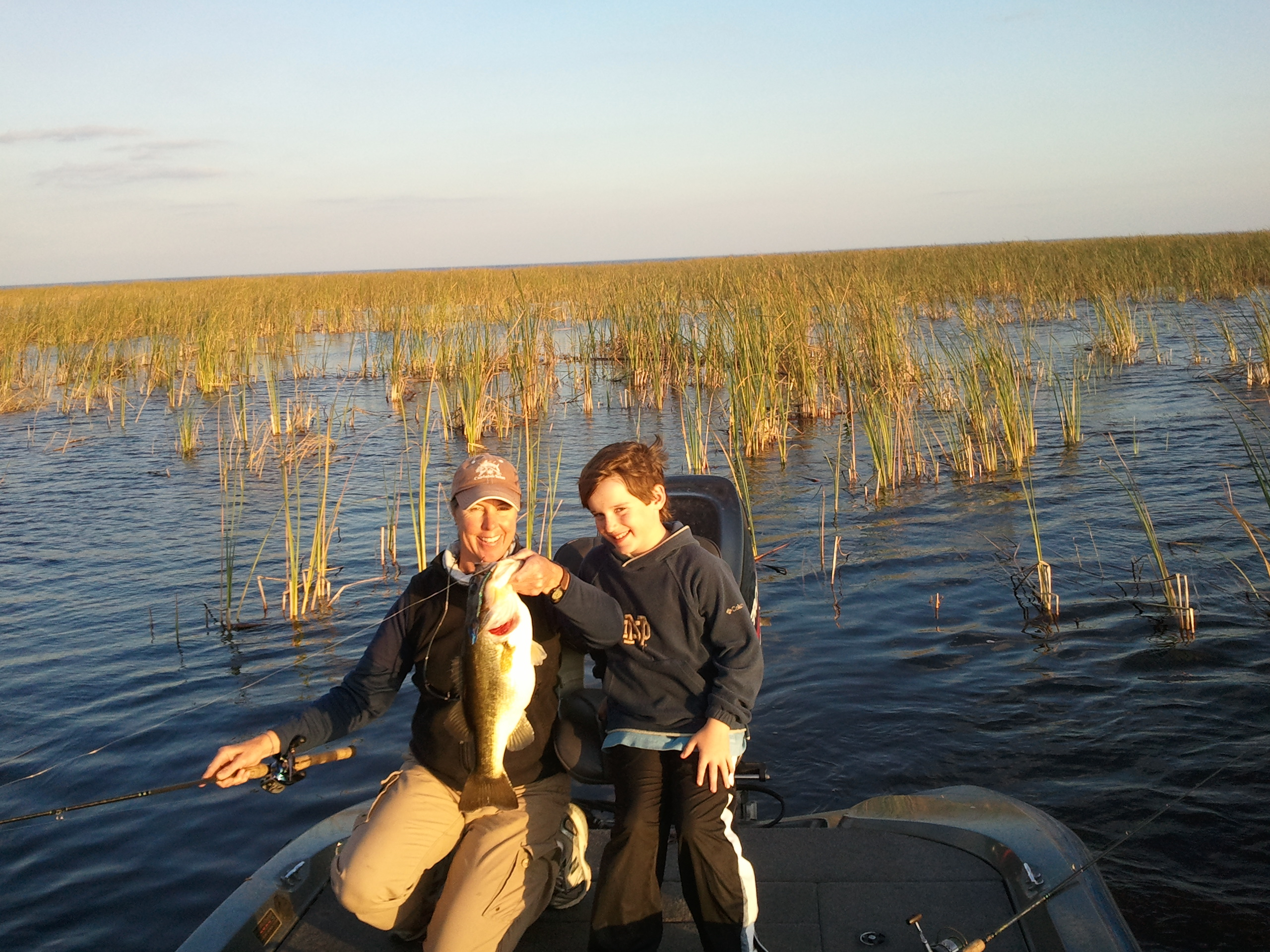 Okeechobee fishing guides stay hot lake okeechobee bass for Lake okeechobee fishing guides