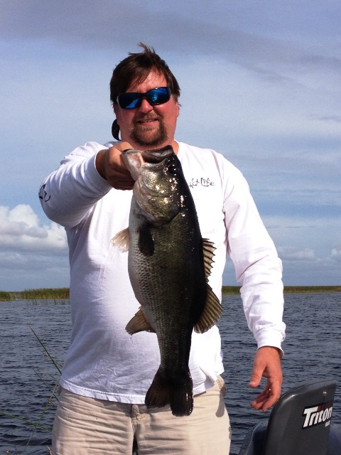 Lake okeechobee catching report lake okeechobee for Lake okeechobee fishing guides