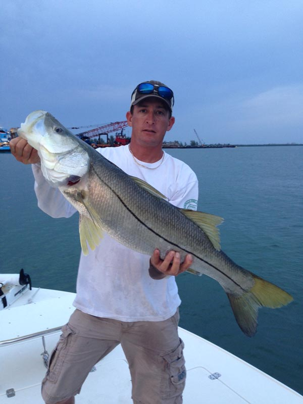 Ft pierce fishing charters lake okeechobee bass fishing for Lake okeechobee fishing guides